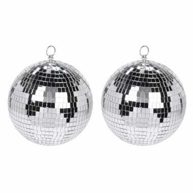 Vintage 2x grote zilveren disco kerstballen discoballen/discobollen glas/foam 15 cm