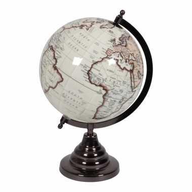 Vintage look wereldbol op houten voet 20 cm