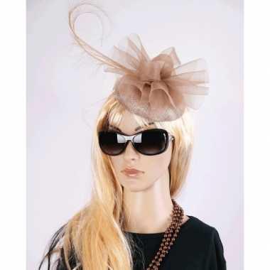 Vintage luxe champagne koninginnen hoed christina