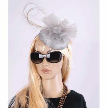 Vintage luxe grijze koninginnen hoed christina