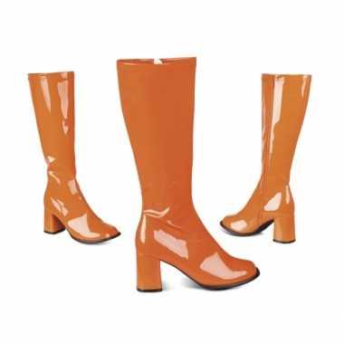 Vintage oranje retro laklaarzen