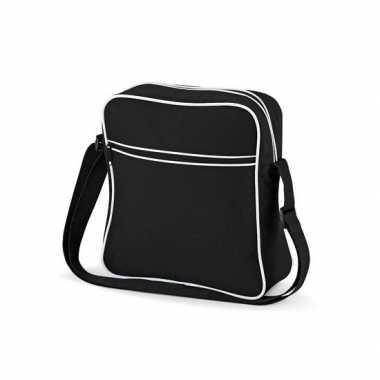 Vintage schoudertas met voorvakje zwart wit
