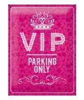 Vintage muurplaat roze vip parking 30 x 40 cm